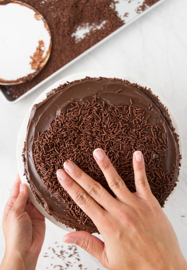 How to decorate the ultimate Brazilian Birthday Cake - Brigadeiro cake recipe
