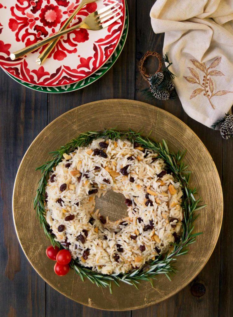 Festive Brazilian Christmas rice wreath